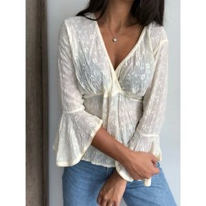 DCC floral cream embroidered bell sleeve blouse L